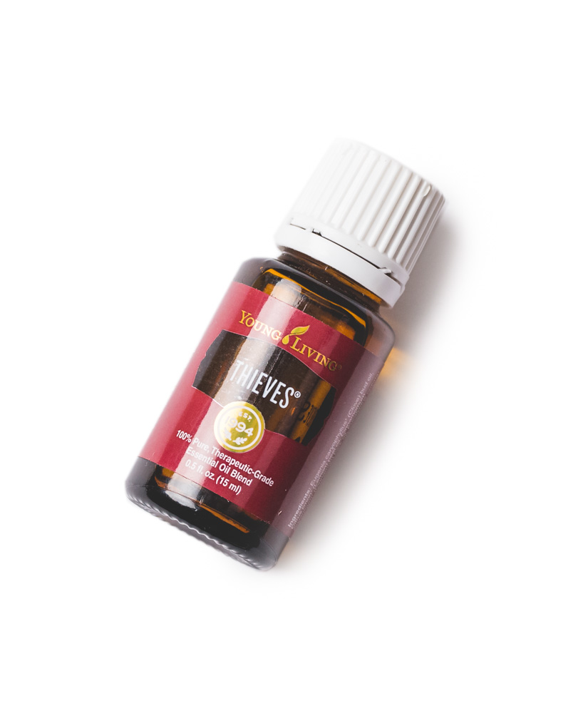 Thieves Essential Oils Blend by: Young Living